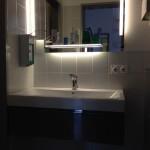 automatisiertes Waschbecken Arztpraxis